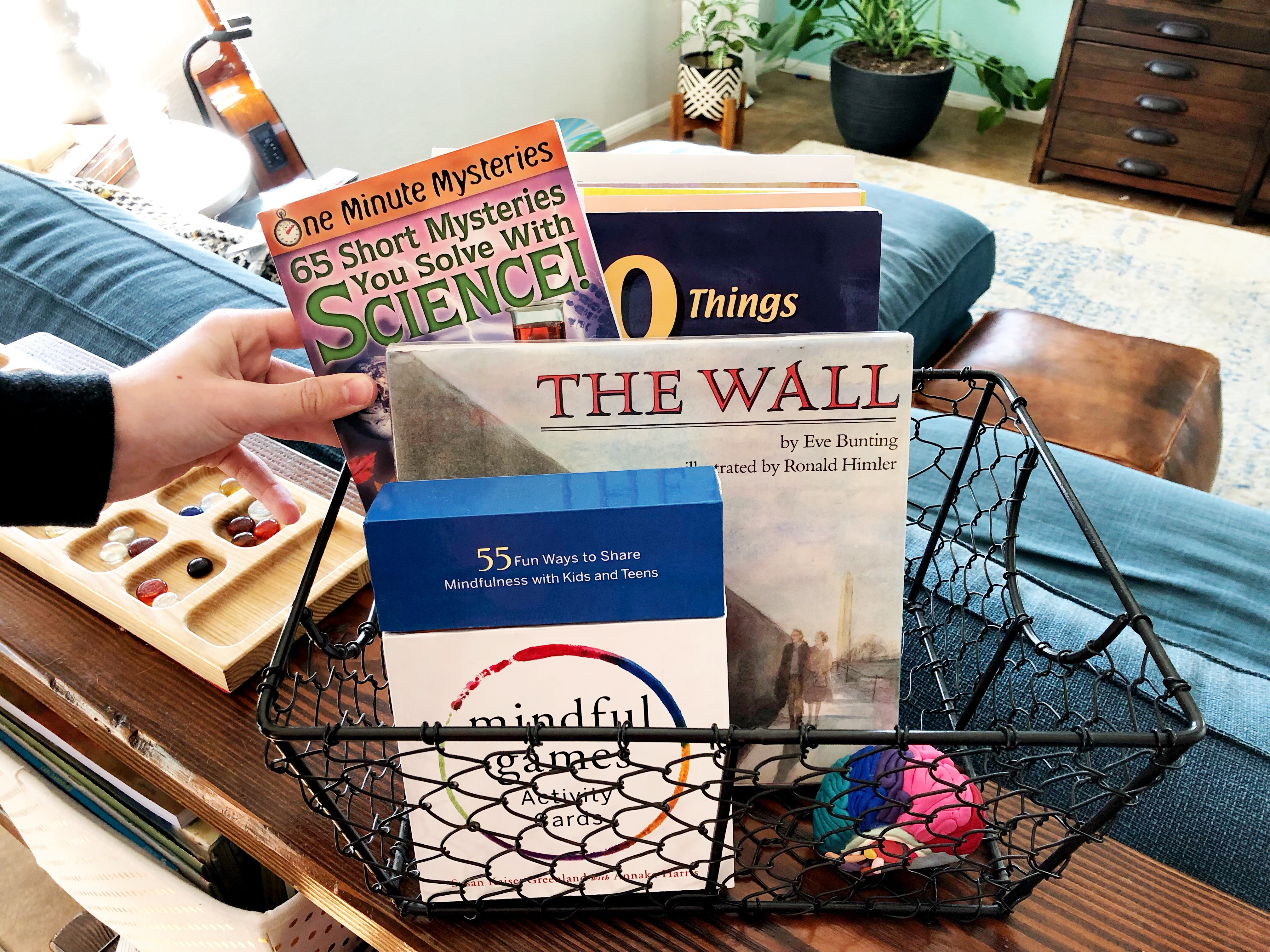 What is a Loop Schedule? How can you use one in your homeschool? By Secular Homeschooler.